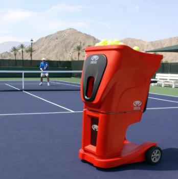 A Lobster tennis ball machine